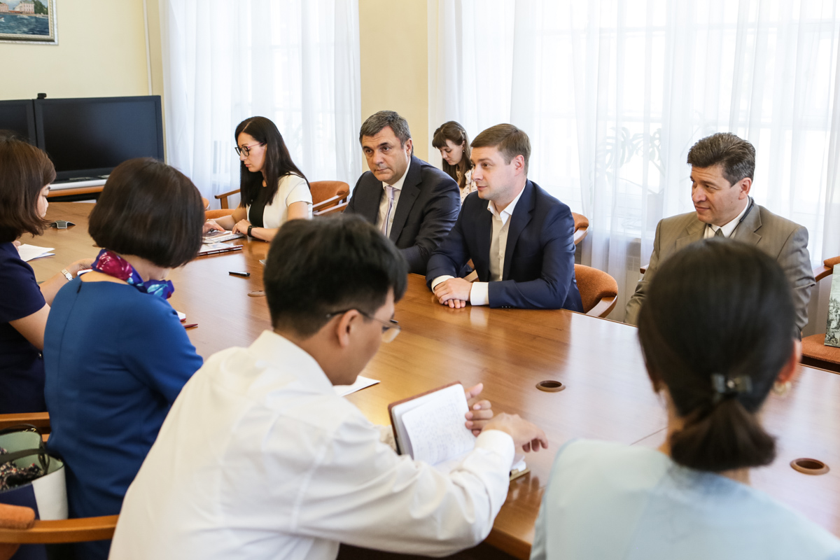 St Petersburg University is discussing personnel issues with the Ho Chi Minh National Academy of Politics