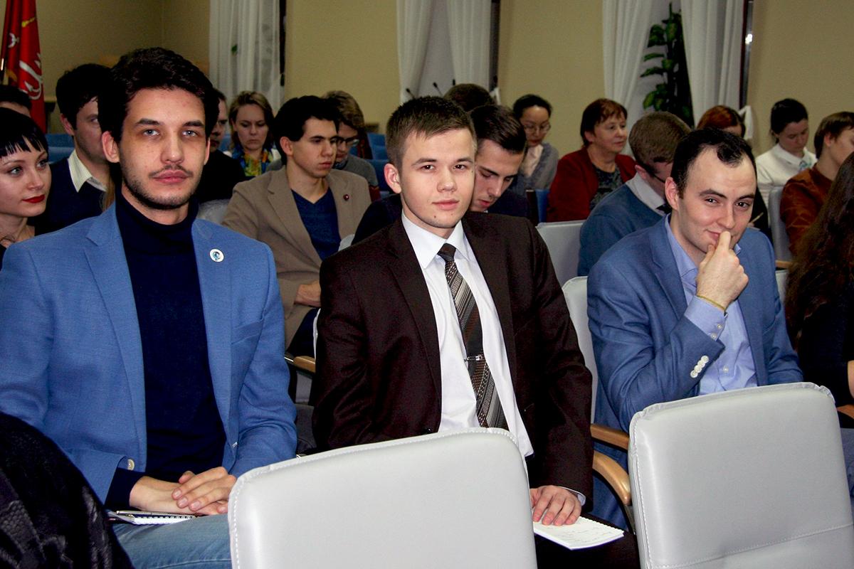 Универсанты приняли участие в работе Петербургского дискуссионного клуба