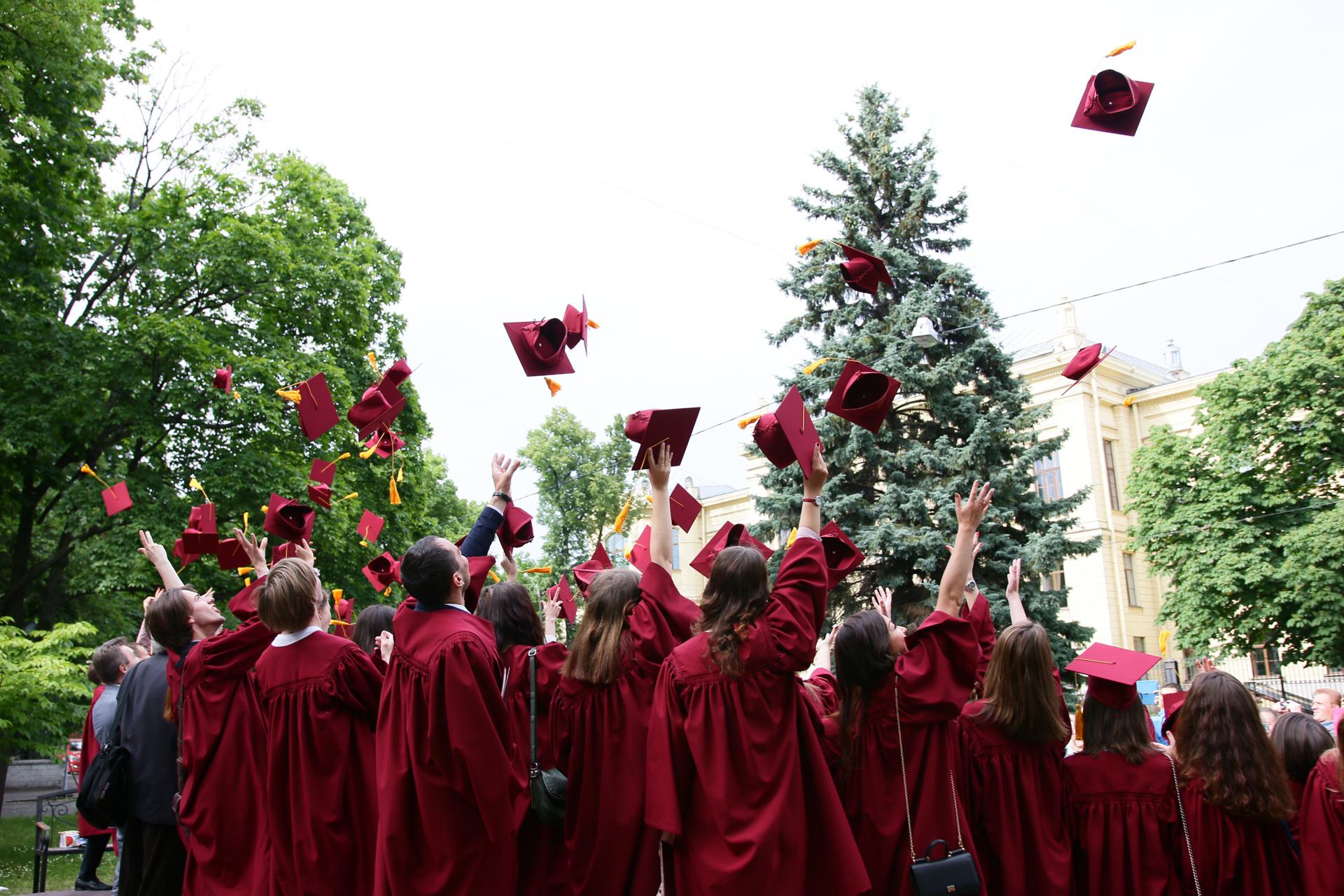 В СПбГУ вручили дипломы востоковедам и африканистам