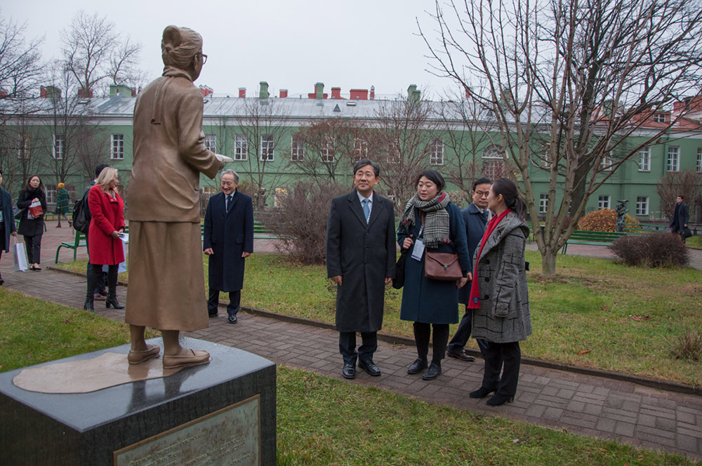The Minister of Culture of the Republic of Korea visited St Petersburg University during the International Cultural Forum