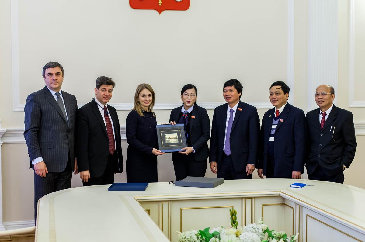 Профессор Колотов принял участие во встрече с представителями парламента Вьетнама