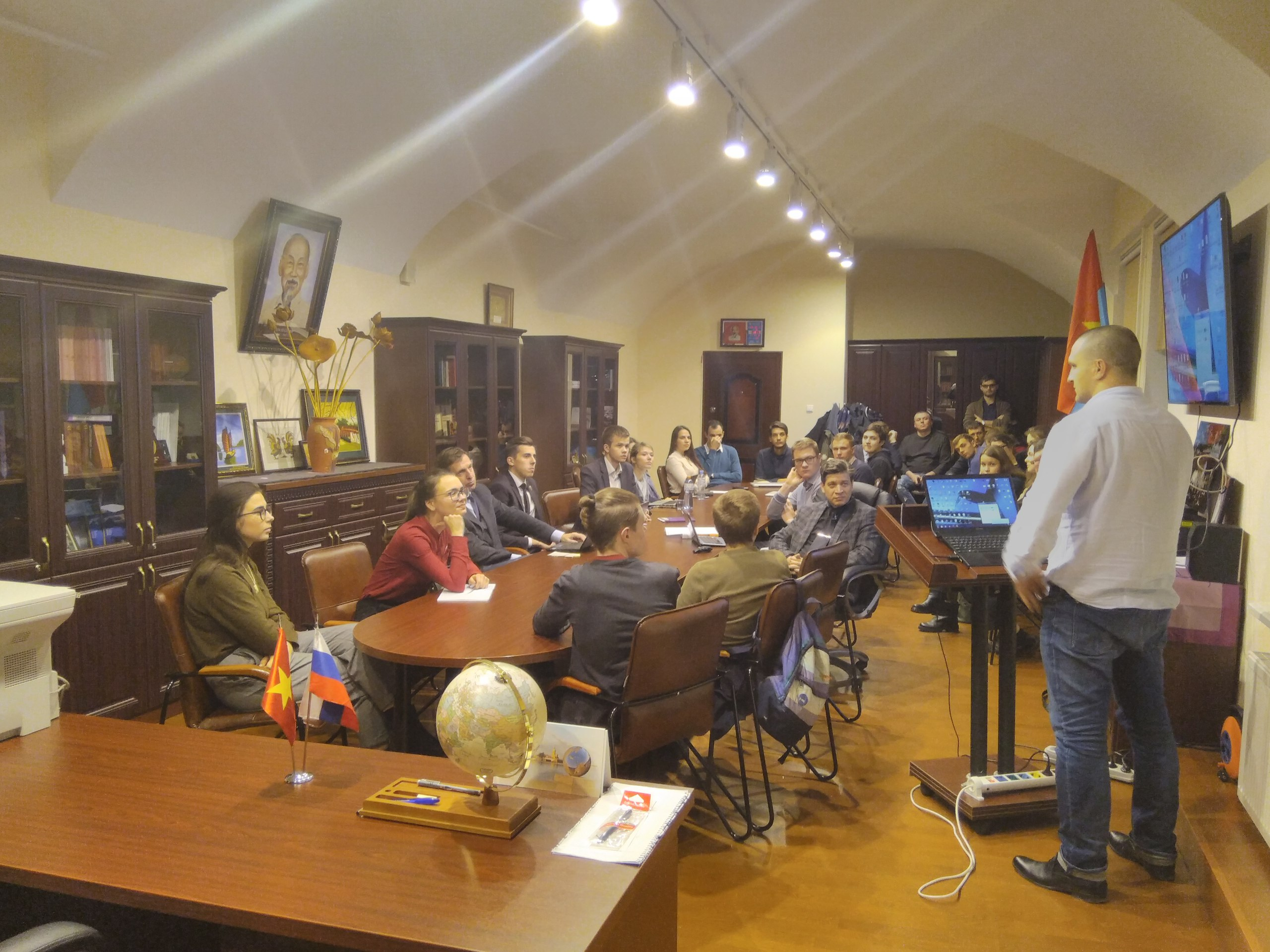 Очередное заседание дискуссионно-аналитического клуба