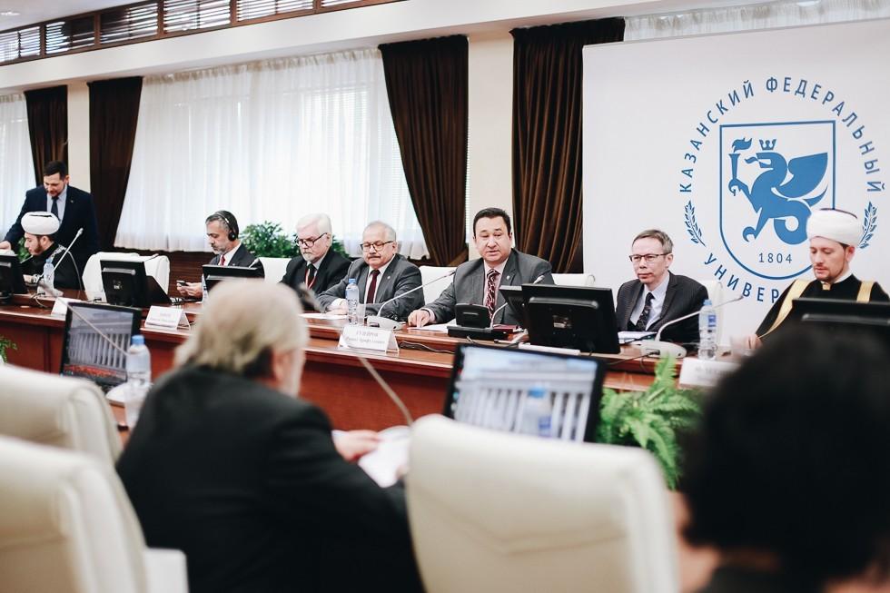 Николай Дьяков и Дамир Мухетдинов приняли участие в VII форуме «Ислам в мультикультурном мире»