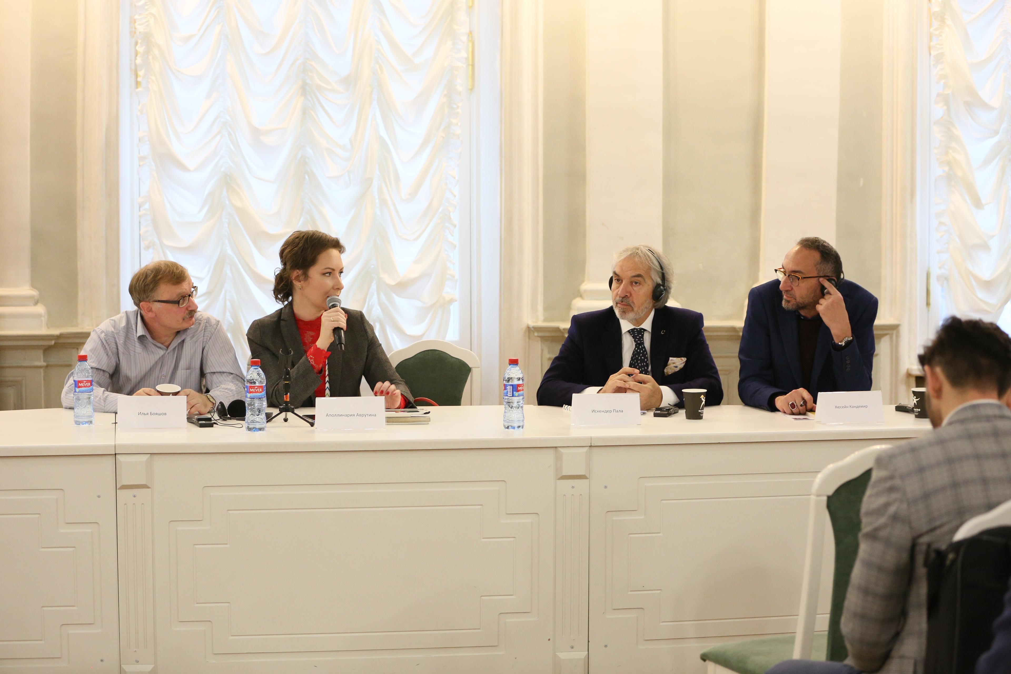 Литературные и культурные связи Стамбула и Петербурга обсудили на МКФ